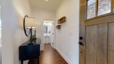 Entry-Power-Room