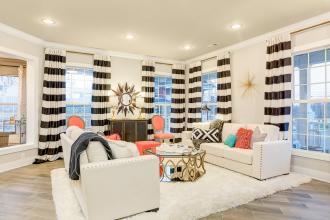 Pinot living room 4